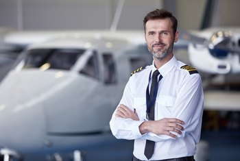 Qualifications of an Airplane Pilot