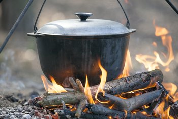 How to Clean Cast Iron Dutch Ovens