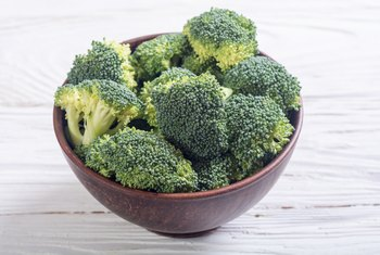 Does Steaming Broccoli Take Away the Fiber?