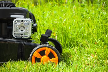 How to Start a Lawn Mower After it Sat a Long Time