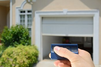 How to Know Which Type of Garage Door Opener Remote to Buy