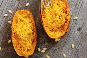 How to Know When Spaghetti Squash Is Ready to Pick