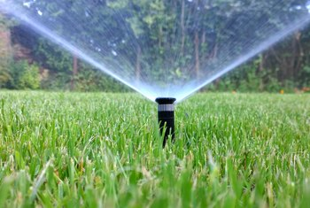 How to Drain a Yard Sprinkler