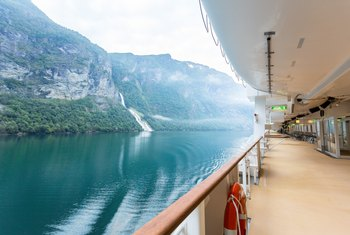 A List of Reasons to Work on a Cruise Ship