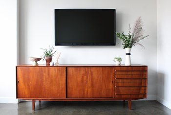 Solid Wood Furniture vs. Particle Board