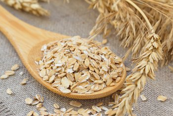 Can Gluten-Intolerant People Eat Oats?