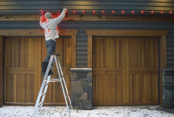 Hanging Outdoor Christmas Lights Without Drilling Holes in Concrete Stucco