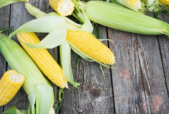 How Many Carbohydrates Are in an Ear of Corn?