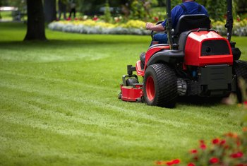 What Causes a Riding Mower to Sputter & Die?