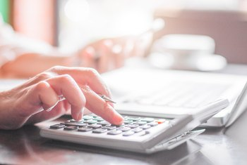 How to Calculate Total Salary From a W-2