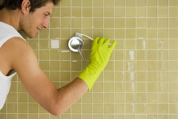 How to Remove Silicone Sealant From Shower Tiles