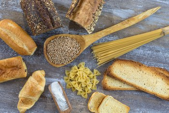 What Percentage of My Daily Calories Should Come From Carbohydrates?