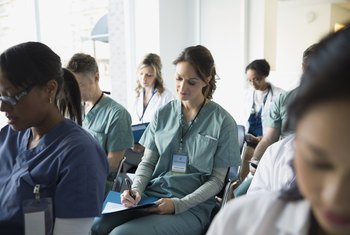 What Classes Do I Need to Take to Become a Doctor?
