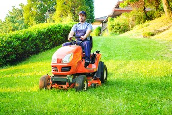 What Oil Do I Use for a Husqvarna 46 Inch Mower?