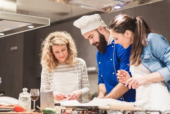 How to Start a Cooking Class Business
