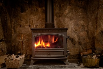 How to Control the Air in a Wood Burning Stove