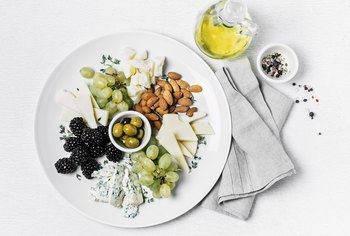 Can You Eat Blue Cheese While Breast-Feeding?