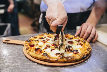 5 Things to Consider When Opening a Pizza Place