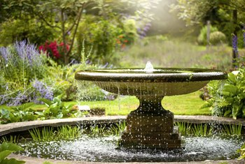 How to Prevent Algae in Garden Fountains
