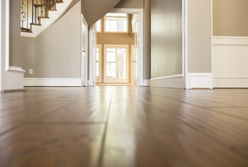 How to Strip Varnish Off a Wood Floor
