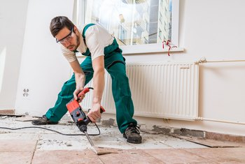 How to Remove Laminate Flooring Without Damaging the Boards