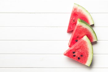 The Recommendations for Eating Raw Watermelon & Its Benefits
