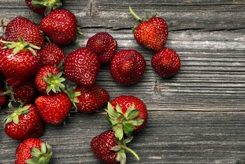 What Vitamins Do Strawberries Contain