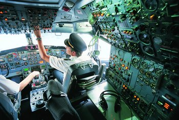 What Is the Average Salary for an American Airline Pilot That Flies International Routes?