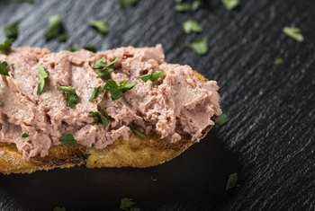 How Much Iron Is in Liverwurst?