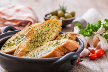 Healthy Garlic Bread Alternatives