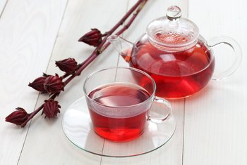 Risks of Drinking Hibiscus Tea