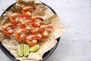 Nutrition and Sodium in a Half Cup of Cooked Shrimp