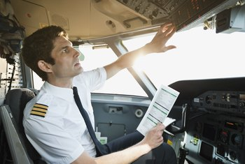 How Much Do Commercial Pilots Make? Salary and Requirements