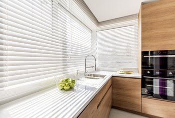 How to Whiten Yellowed Blinds