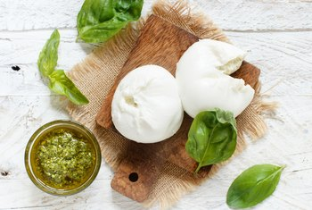 How Fattening Is Fresh Mozzarella?