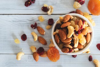 Nuts as a Healthy Snack for Weight Reduction