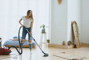 What Are the Causes of Vacuums Losing Suction?