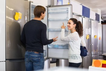 How to Check Amperage on a Refrigerator