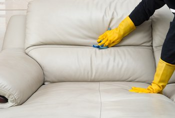 How to Remove Mildew & Mold From Furniture