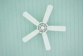 Should You Run an Air Conditioner & Ceiling Fan Together?