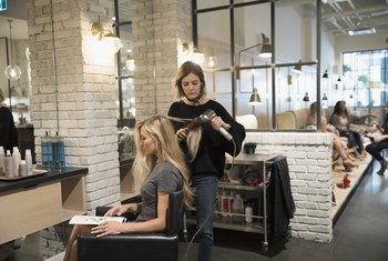 How Does Commission Work at a Hair Salon?