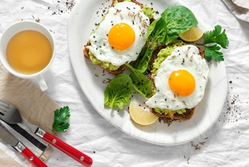 Do Vegetarians Eat Eggs, Bread and Dairy Products?