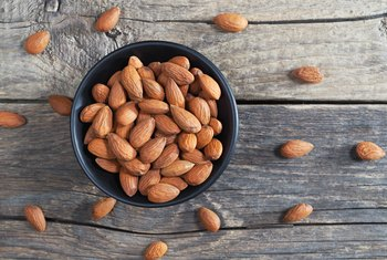How Much Fat Is in 6 Plain Almonds?