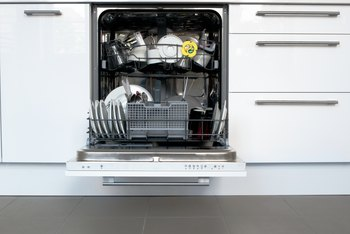 Built in Dishwasher Vs. Free Standing