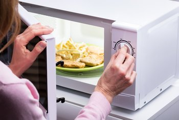 How to Know When a Microwave Is Failing