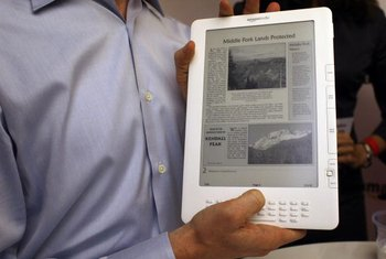 The Kindle can display newspapers in addition to e-books and magazines.