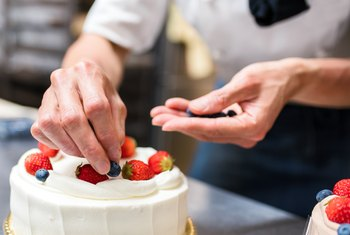 How to Start a Cake Business at Home