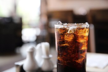 How to Counteract Fluid Retention From Drinking Soda