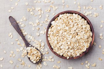 Does Raw Oatmeal Have More Fiber?