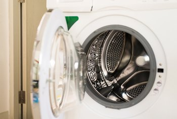 How to Remove Mold Smells From a Dryer